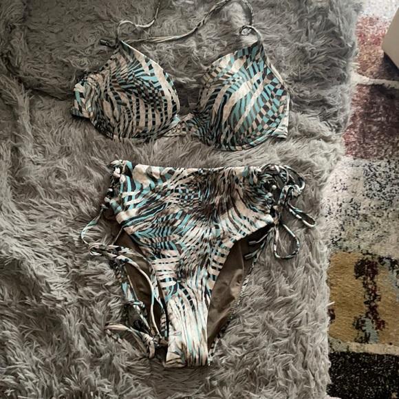 Victoria Secret 2 piece bathing suit 💕🔥❤️
